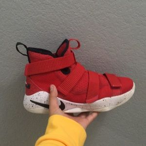Nike lebron James soldier 11 red